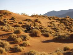 &Beyond Sossusvlei Desert Lodge. Quad Bike Ausflug